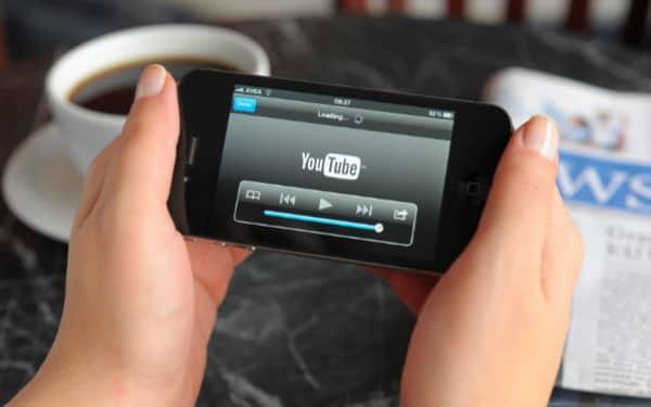 YouTube-Mobile-600-iStock